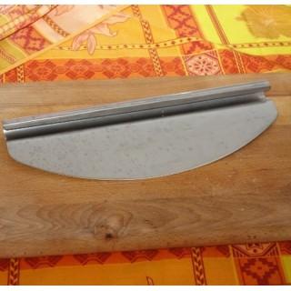 Mezzaluna per taglio pizze for Spartifiamma forno a legna